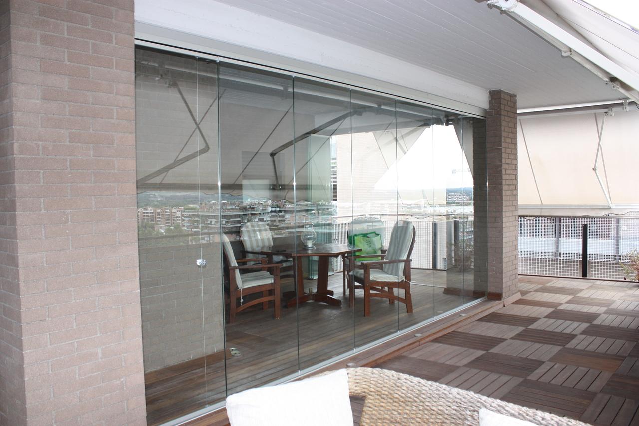 Sistema tutto vetro vivi il tuo balcone windotherm - Vetrate per esterni ...