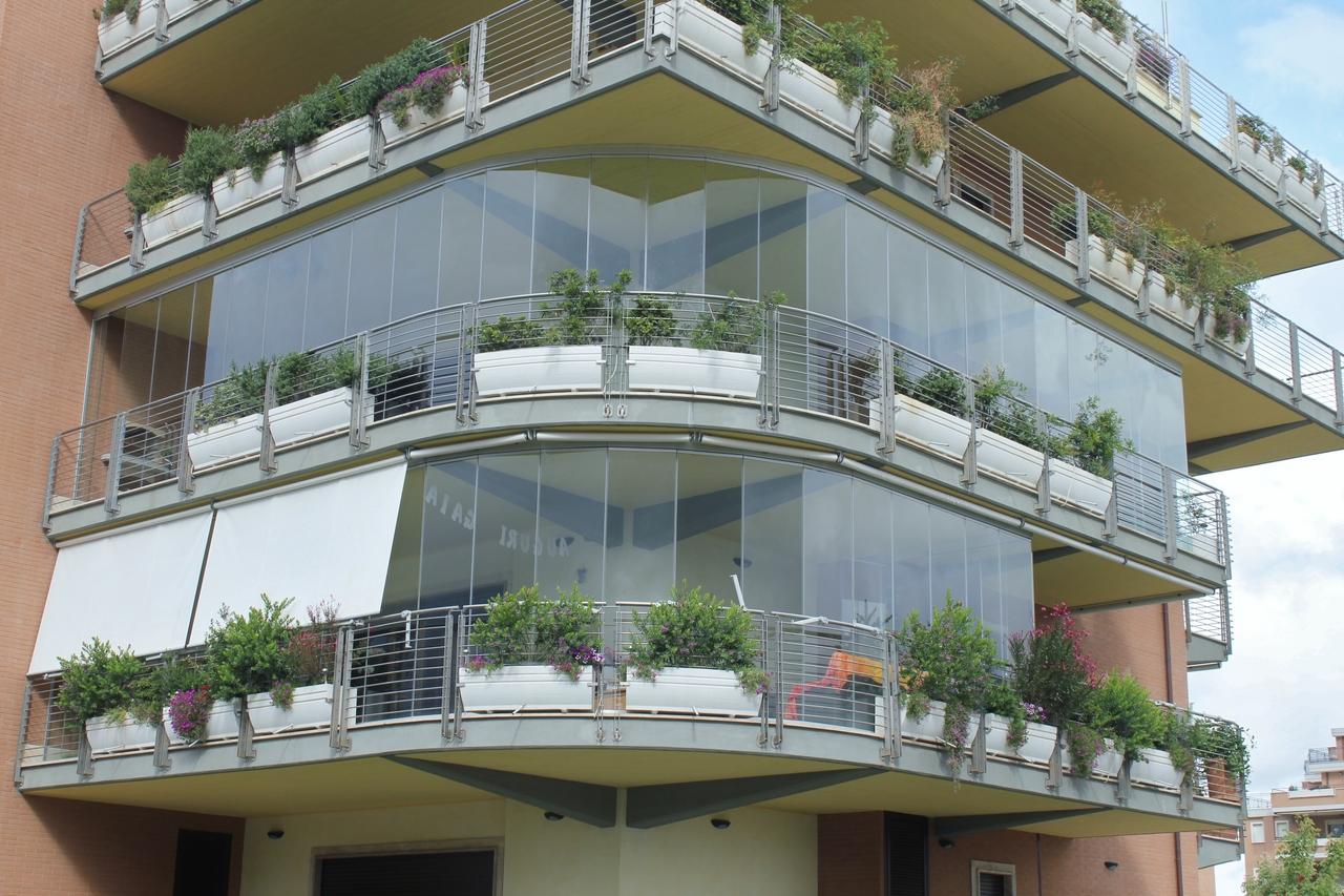 Sistema tutto vetro vivi il tuo balcone windotherm for Infissi balcone