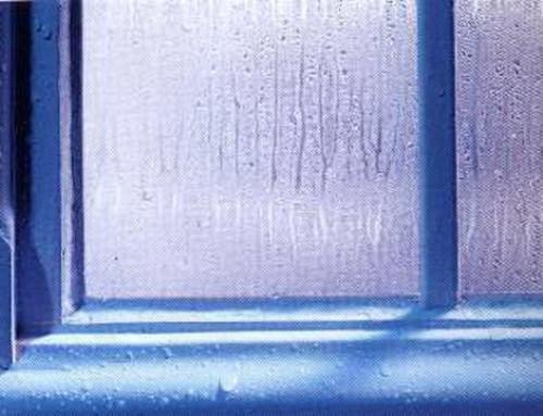 Condensa sui vetri delle finestre: come eliminarla!