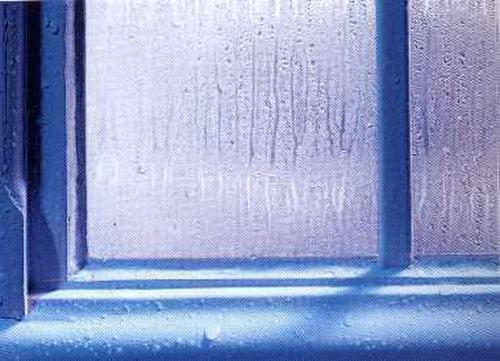 Condensa sui vetri delle vostre abitazioni eliminarla facile windotherm - Condensa su finestre in alluminio ...